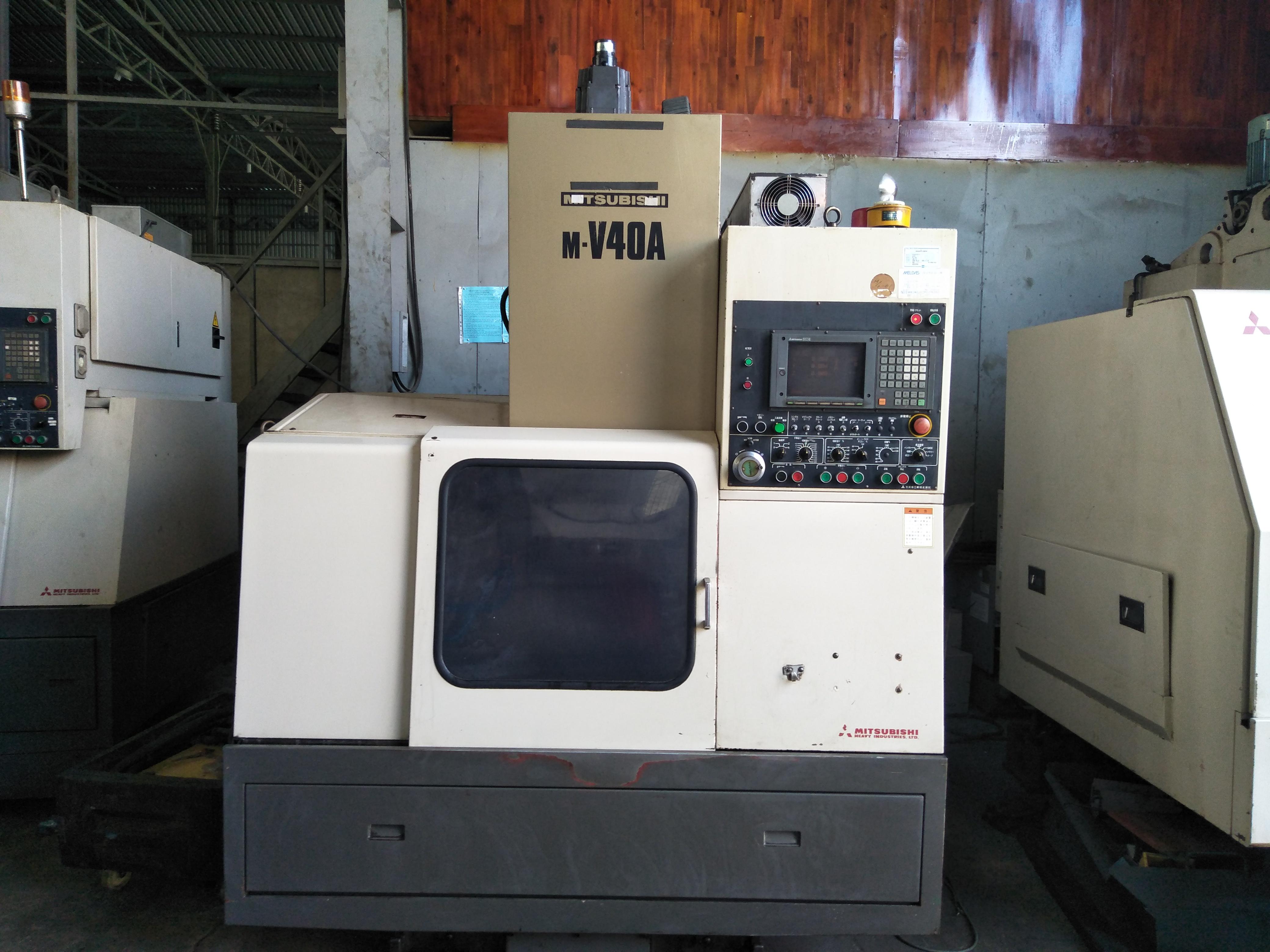 Máy phay Mitsubishi M-V40A(2 Máy)
